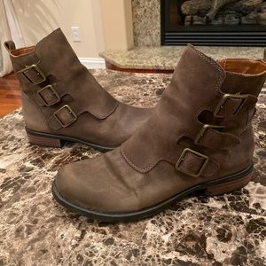 Women's leather boots by Lucky Brand